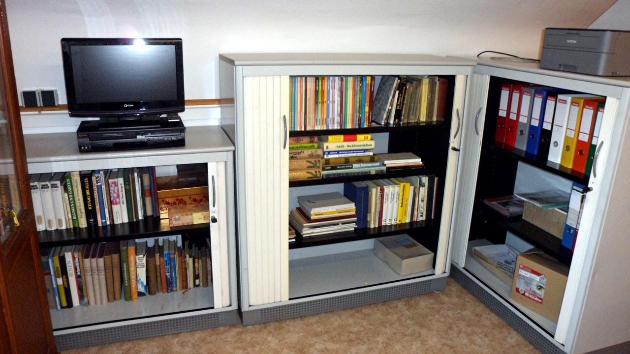 der archivraum erhielt neue schr nke murgtalmuseum. Black Bedroom Furniture Sets. Home Design Ideas